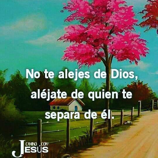 Frases de Semana Santa No te alejes de Dios, aléjate de quién te separa de él